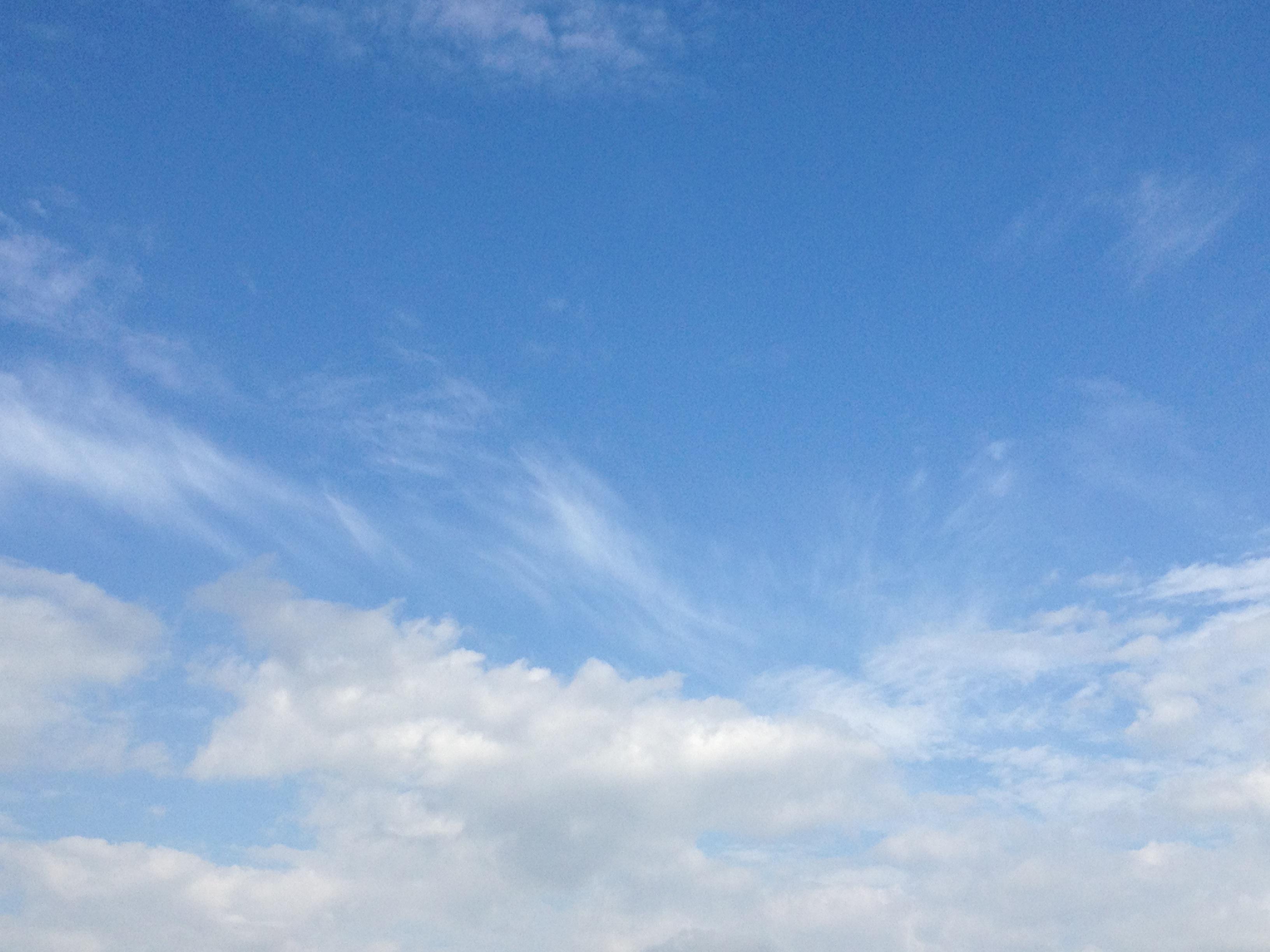 青空と2種類の雲