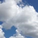 届きそうな雲