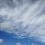 青空と薄い雲