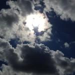 雲に映る光の円