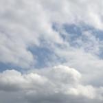 雲多いけど太陽出てる