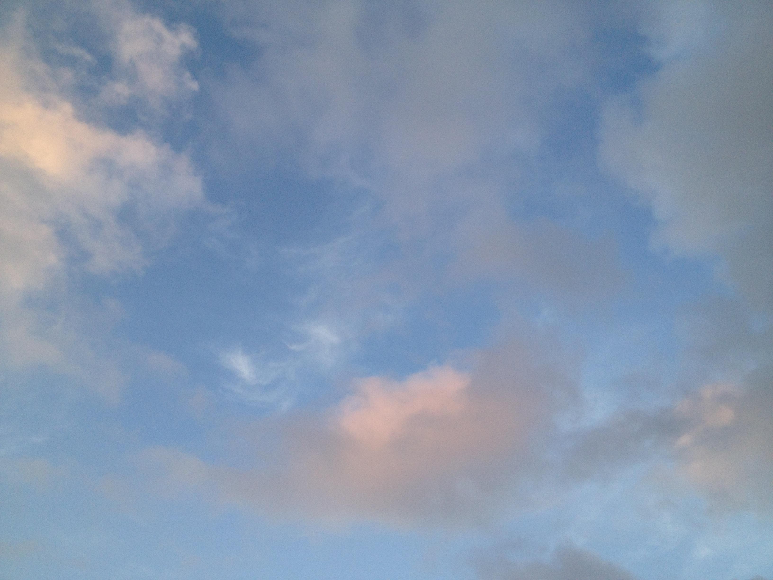 いろんな色の雲