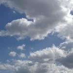 徐々に増える雲