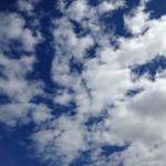 背後の雨雲